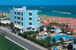 Vue sur l'hôtel Atlantic de Viserbella de Rimini