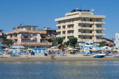 Vue de la mer de l'hôtel Palos de Viserbella de Rimini