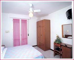 Chambre de l'hôtel Samoa de Viserbella de Rimini