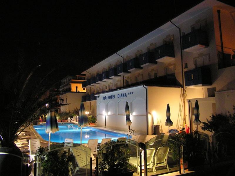 Hotel-diana-viserbella-adriatique-avec-piscine